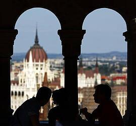 Budapest-teaching-jobs-window