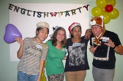 Teaching English in Thailand Julianna Montgomery