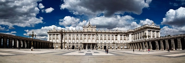 Discover the Essence of Spain while Teaching English in Madrid