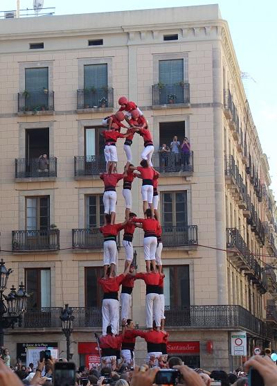 Rachel sair barcelona tefl merce festival climbing 1