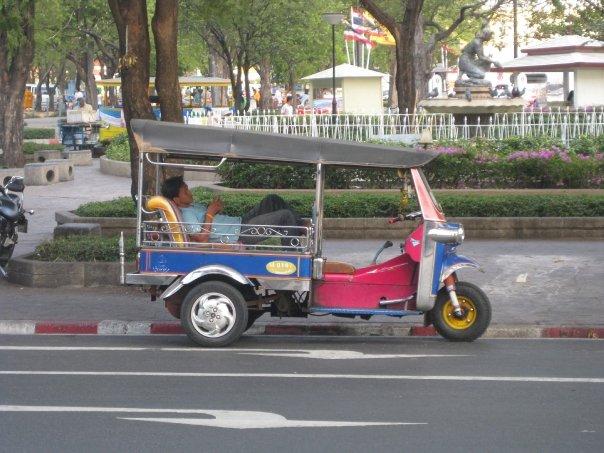 Bangkok-tuk-tuk.jpg