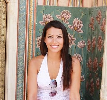 Gabriela-Fernandez-Traveling-in-India