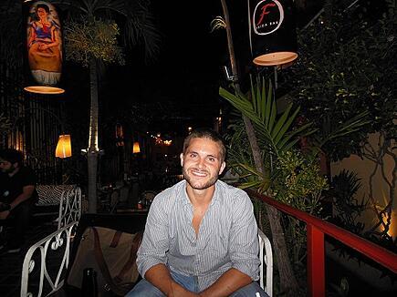 ITA Alumni Jonathan Ogden living and teaching abroad