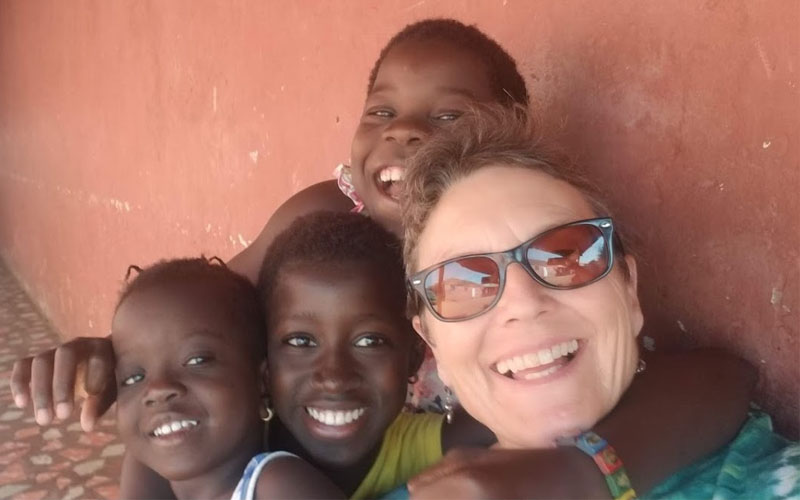 Make a different and teach English in Guinea-Bissau