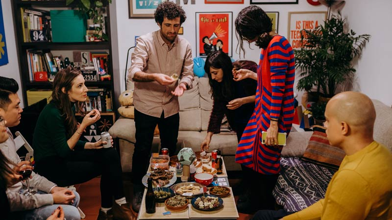 Top Tips for How to Live with People from Different Cultures while Flatsharing Abroad