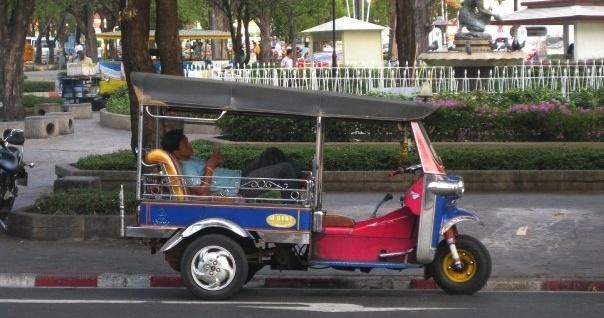 650-Bangkok-tuk-tuk-pb-thailand.jpg