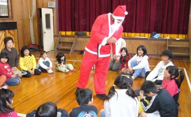 650-Japan-Santa-Clause-edward.jpg