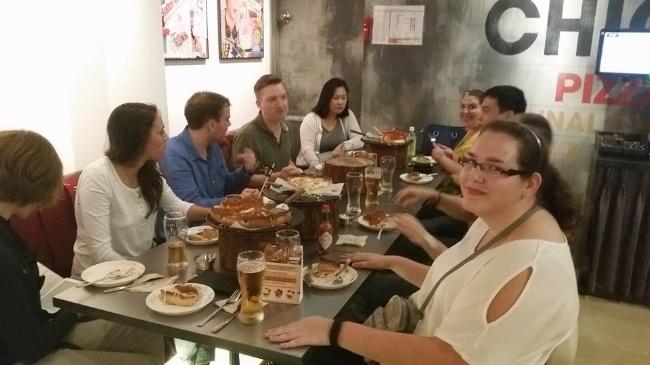 650-Korea-Autumn-Reynolds-dining-out.jpg