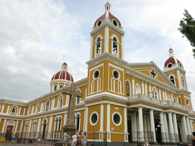 650-church-Granada-Nicaragua-pb.jpg