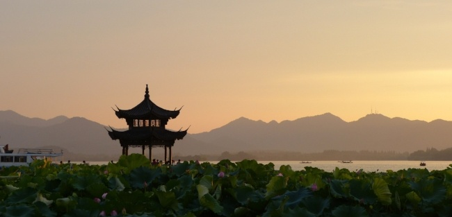 teach english abroad in asia - what tefl class should I take?