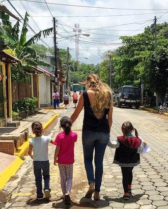 Erin-Cuming---San-Juan-Del-Sur,-Nicaragua---Students