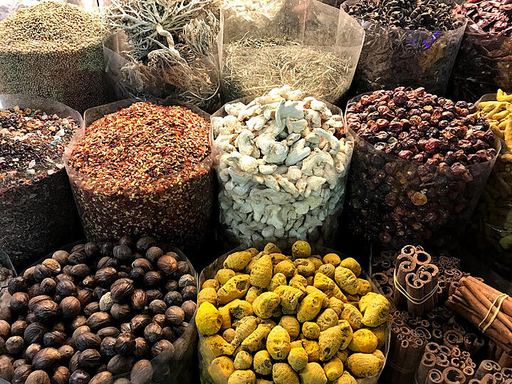 Katie Ayers - UAE - Markets - Spices