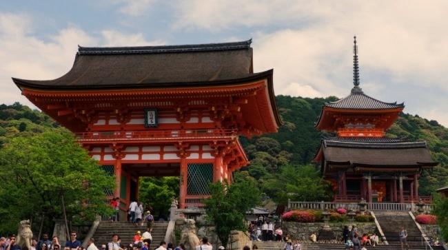 Japan-temple-650.jpg
