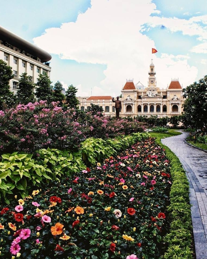 Laura Nalin - Ho Chi Minh City, Vietnam - Nguyen Hue Walking Street (D1) 2-272787-edited