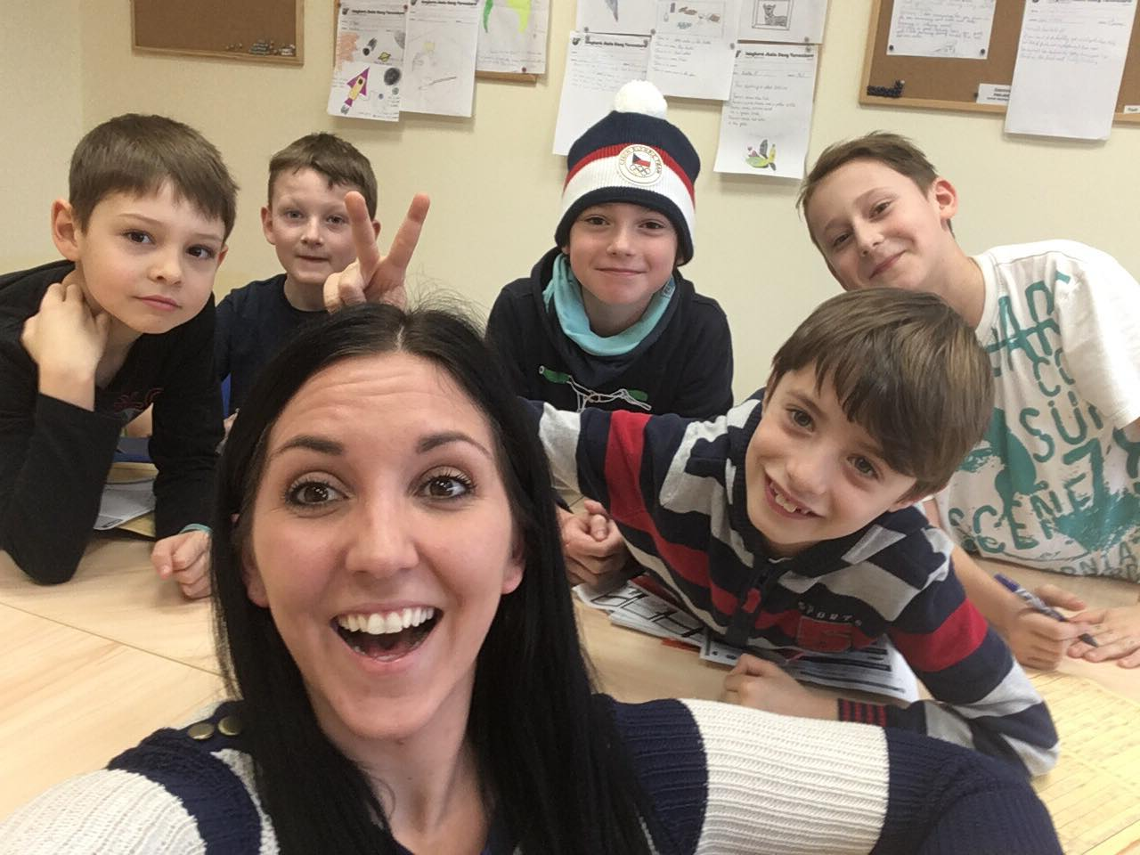 Megan Newnham - Ambassador - Prague, Czech Republic - Classroom - Students (4)