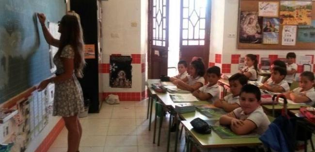 Teaching English on a tourist visa