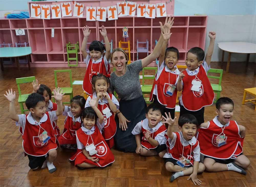 What are the Benefits of Teaching English Abroad?
