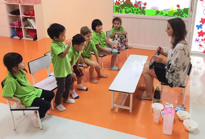 Thailand-Melissa-Landry-Ambassador-Classroom(v1).png