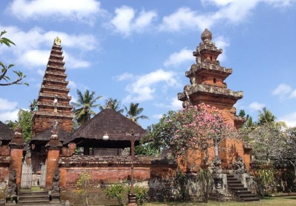 bali-indonesia-temples-916579-edited.jpg