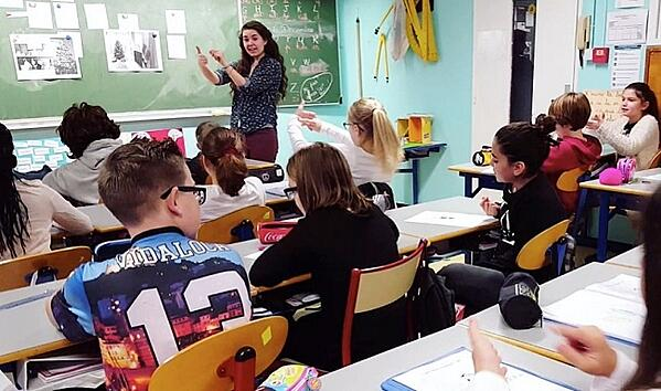 What Type of Visa Do I Need to Teach English in France?
