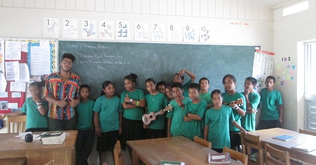 comparing teaching English abroad with joining the Peace Corps
