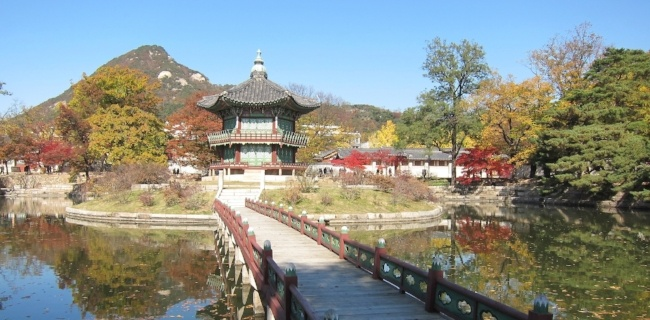 You can live comfortably on an English teachers salary in South Korea