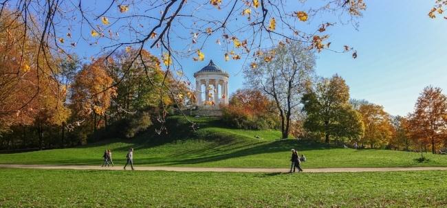 Enjoy the English Gardens while Teaching English in Munich