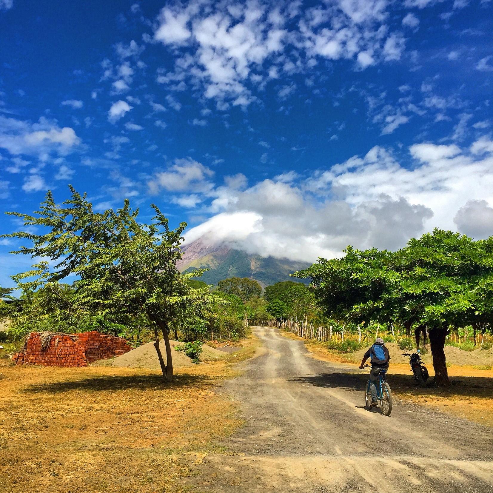 nicaragua-road-volcano
