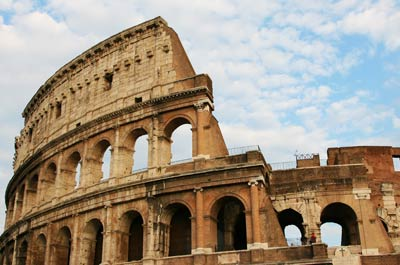 Colosseum Sightseeing while taking your TEFL course in Rome, Italy