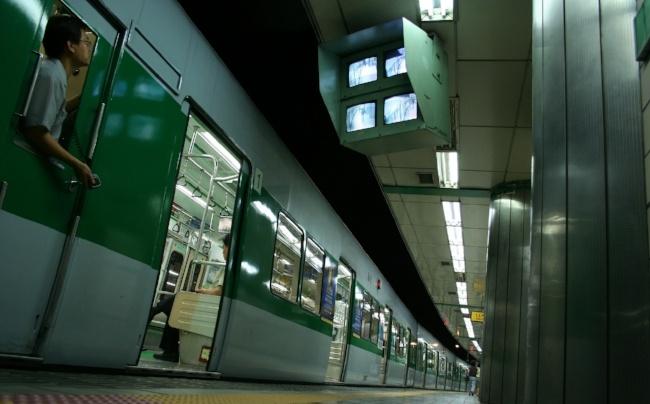 subway-seoul-korea-773158-edited.jpg