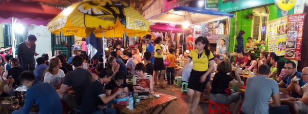 vietnam-food-market-208277-edited-350837-edited-188921-edited.png